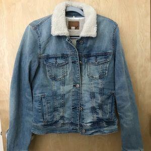 AE Sherpa collared denim jacket